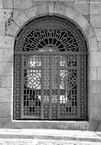 Porta MUSEU - Guarda hs2015.jpg