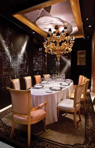 Philippe-Starck-Ramses-Restaurant-Madrid-.jpg