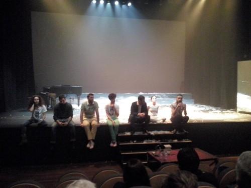 Ida ao teatro (2).jpg
