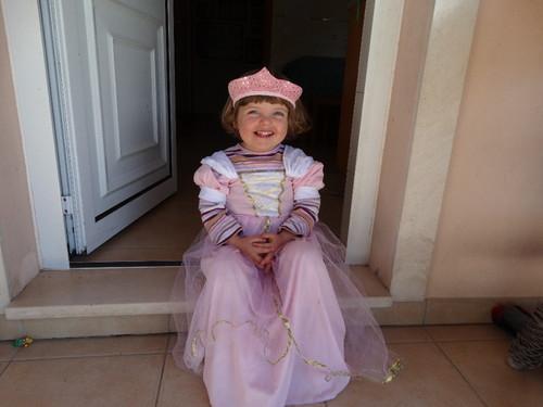sara princesa 2.JPG