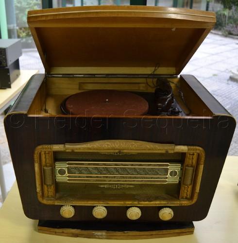 Rádio - Hs.jpg