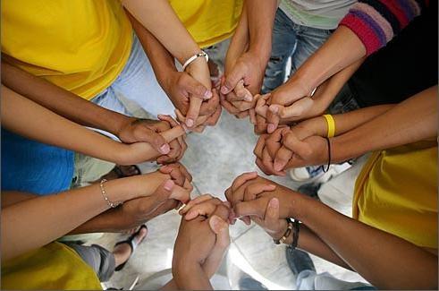 dia mundial da crianca - maos.jpg