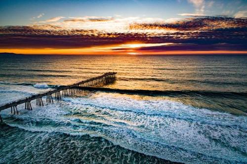 Praia Hermosa em Califórnia, EUA.jpg