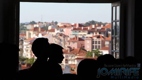 Alunos a estudar na Faculdade de Direito da Universidade de Coimbra (FDUC) têm vista directa sobre a cidade de Coimbra
