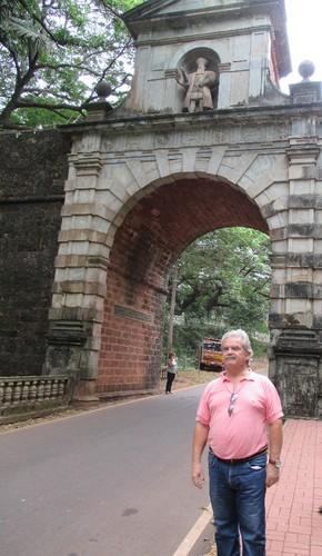 Henrique-Arco dos Vice-Reis, Velha Goa-NOV15 (2).j