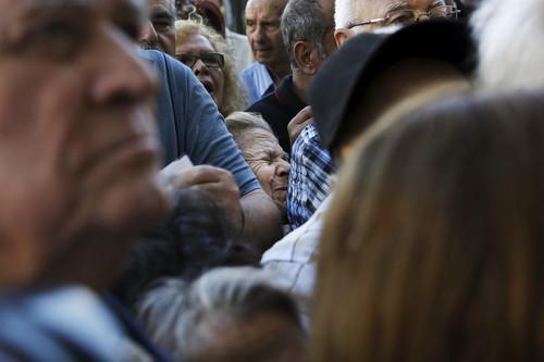 Atenas-Grecia-pensionistas_Alkis-Konstantinidis_Re