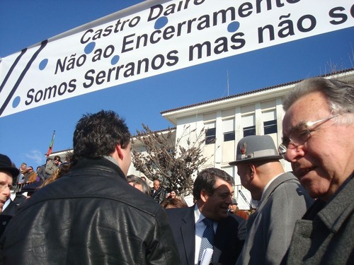 CastroDaireFaixaNaoAoEncerramento.jpg