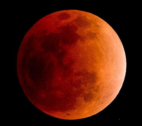lua-de-sangue1.jpg
