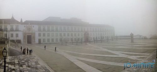 Pátio ou Paço das Escolas da Universidade de Coimbra com nevoeiro [en] Fog over the University of Coimbra