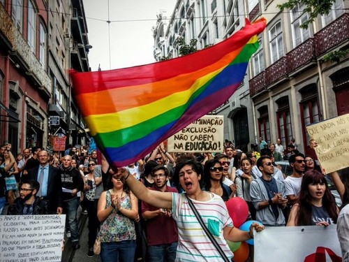 marcha gay do porto.jpg