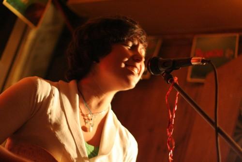SingerInPub-AnthonyMaragou.jpg