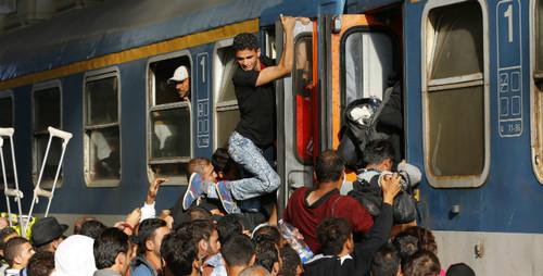 budapeste_refugiados_estacao_2_r.JPG