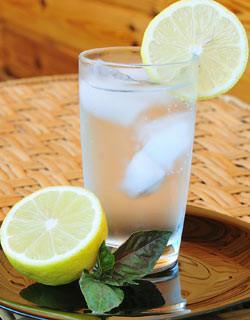 agua-limao-sugestao-cardapio-dieta.jpg