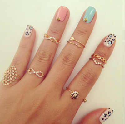 blue-jewelry-nail-art-nails-Favim.com-2573343.png