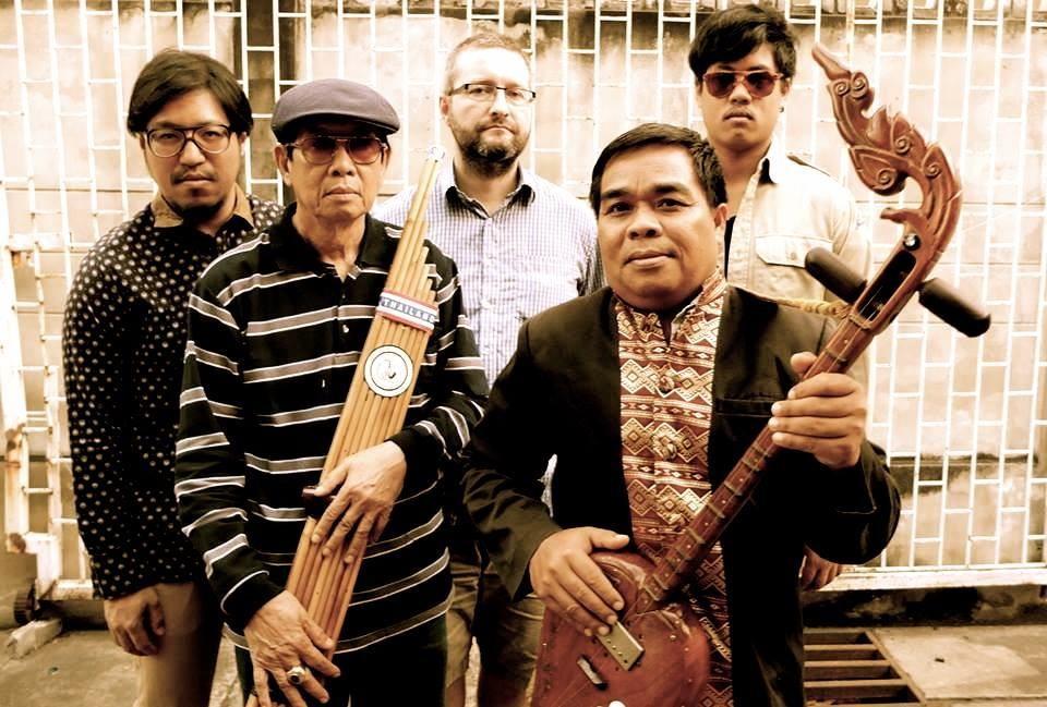01 The Paradise Bangkok Molam International.jpg