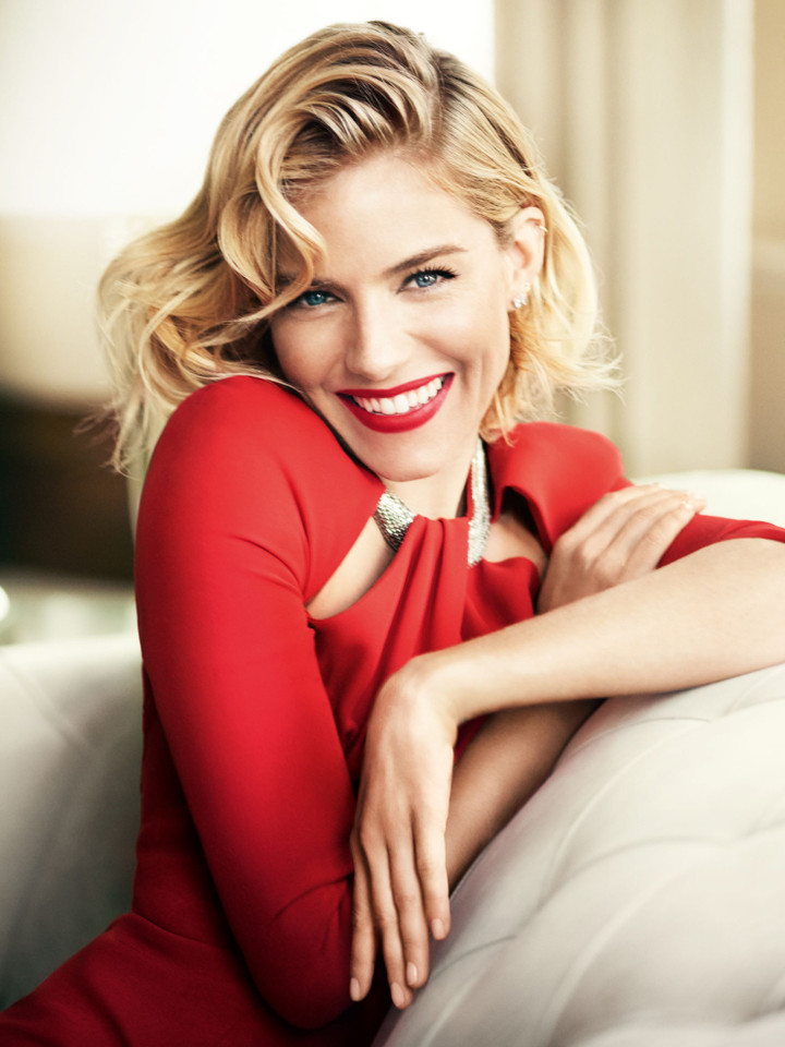 sienna-miller-by-mario-testino-for-vogue-uk-octobe