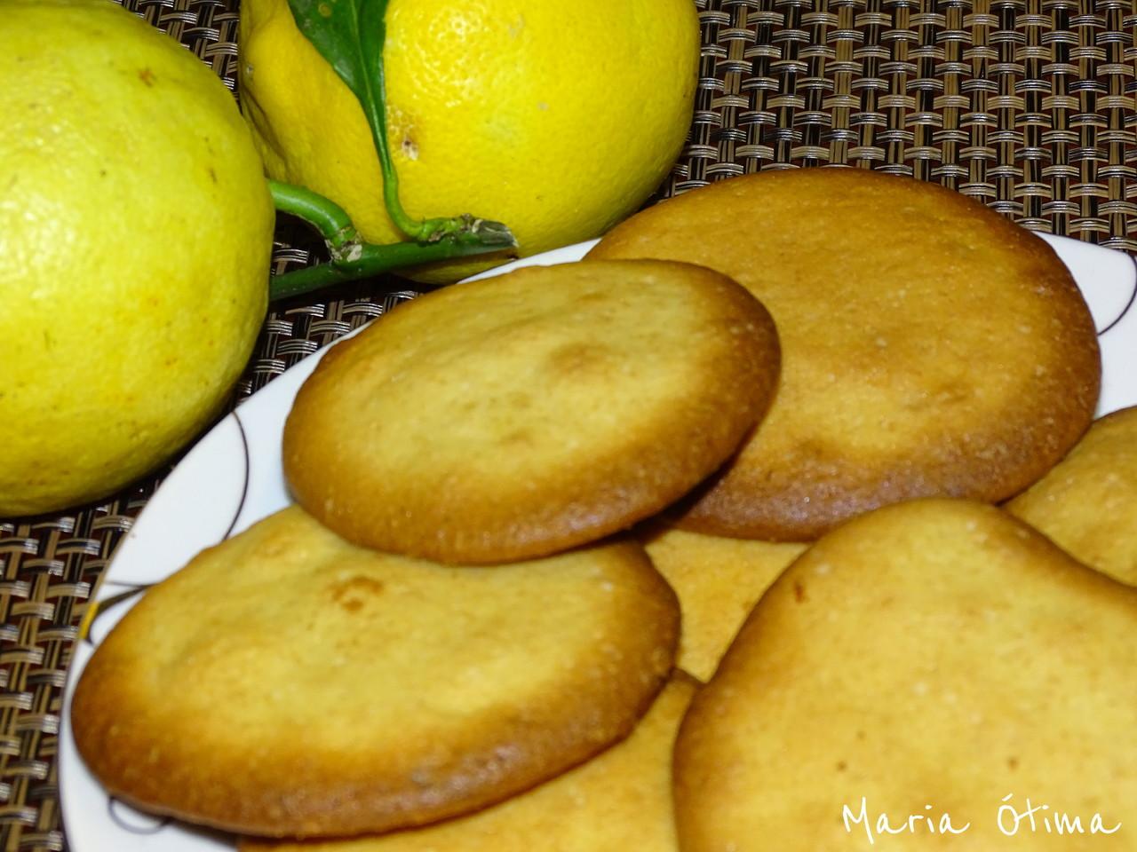 DSC00548.JPGBocoitos de limão e gengibre_Maria Ó