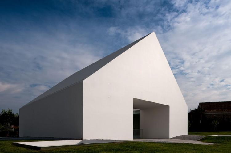 Leiria-House-03-1-750x499.jpg
