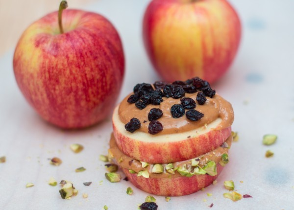 Apple-Pistachio-Currant-600x429.jpg