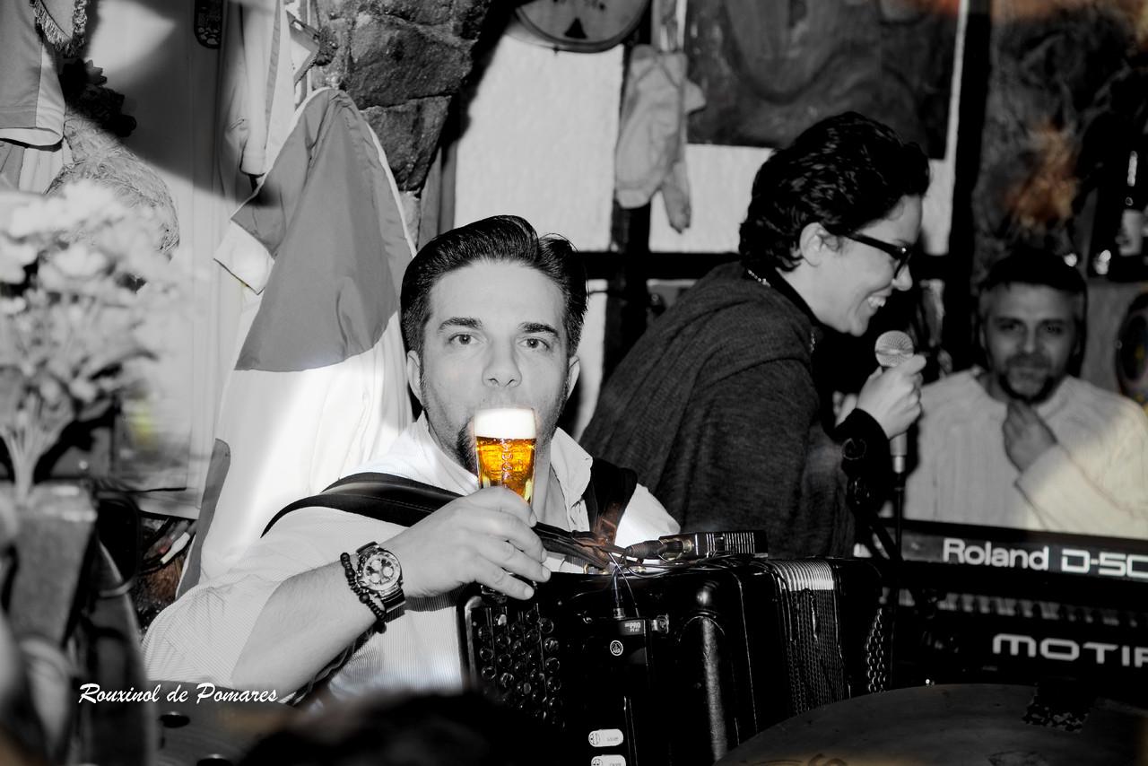 Ana Laíns na Taverna (004)