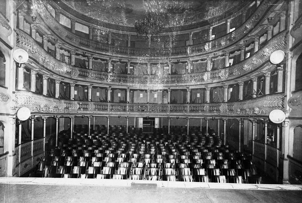 Teatro Apolo, interior 1957.jpg