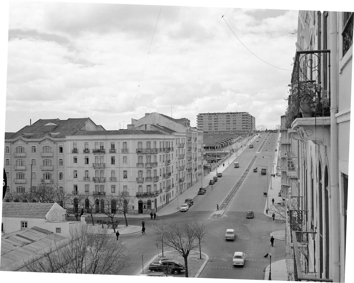 Av. 28 de Maio, Lisboa (A. Serôdio, 1961)