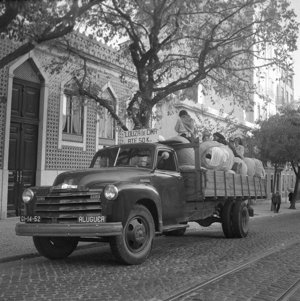 Transporte das lavadeiras saloias , 1949, foto est