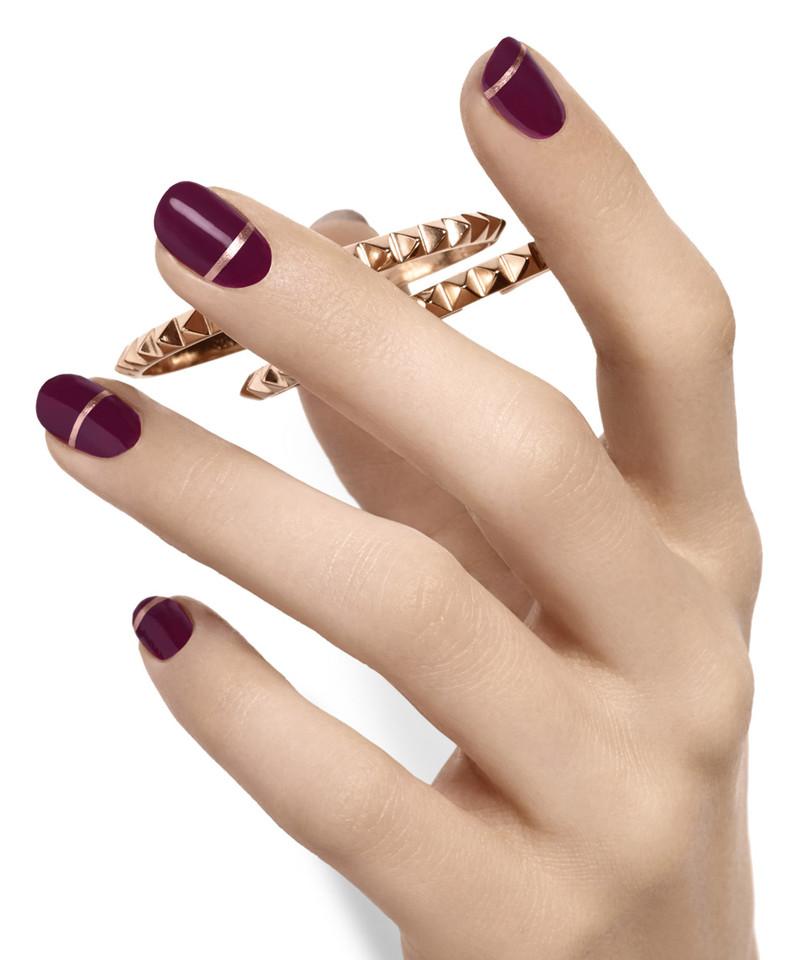 band-of-gold-hot-nail-art.jpg