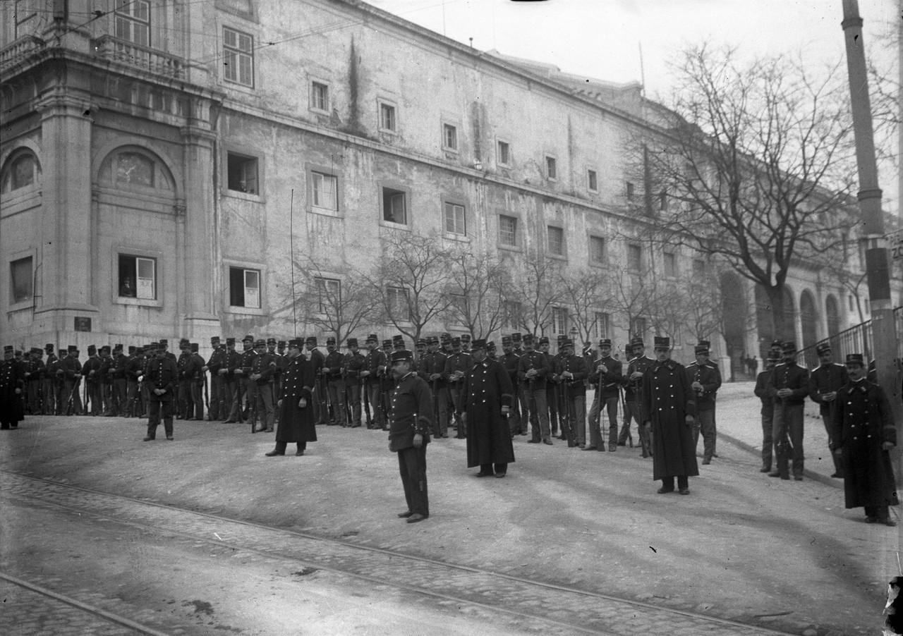 O palácio do Congresso em São Bento cercado por