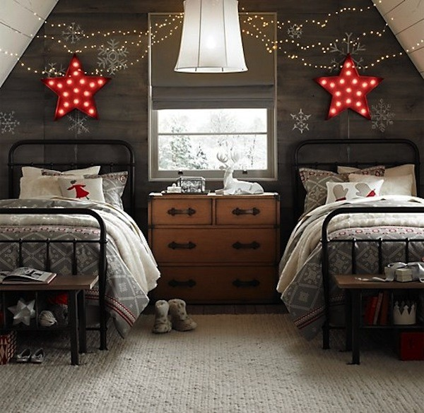 neutral-colored-Christmas-bedroom.jpg