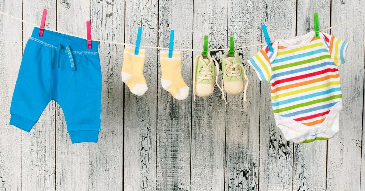 lavar a roupa do bebé.jpg