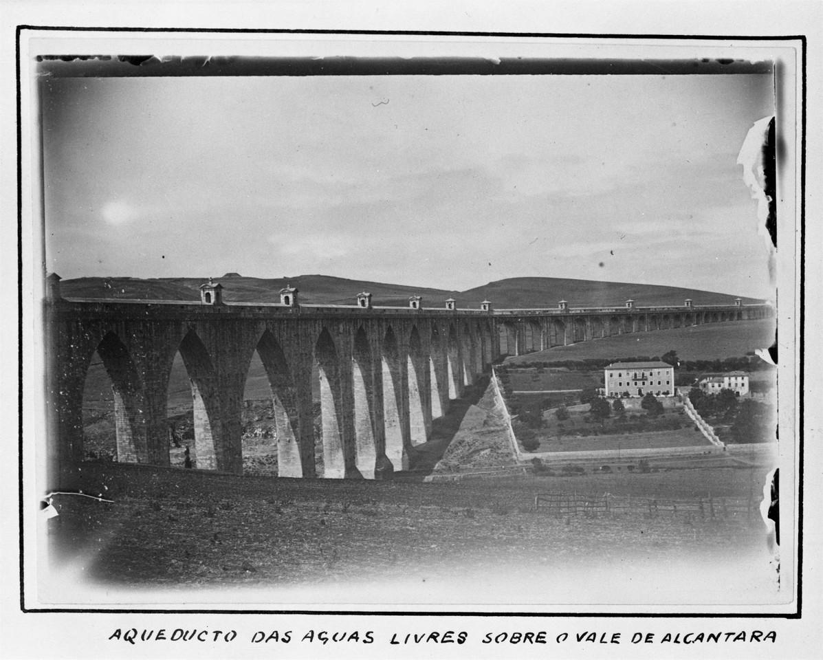 Aqueduto das Águas Livres, e mario novais.jpg