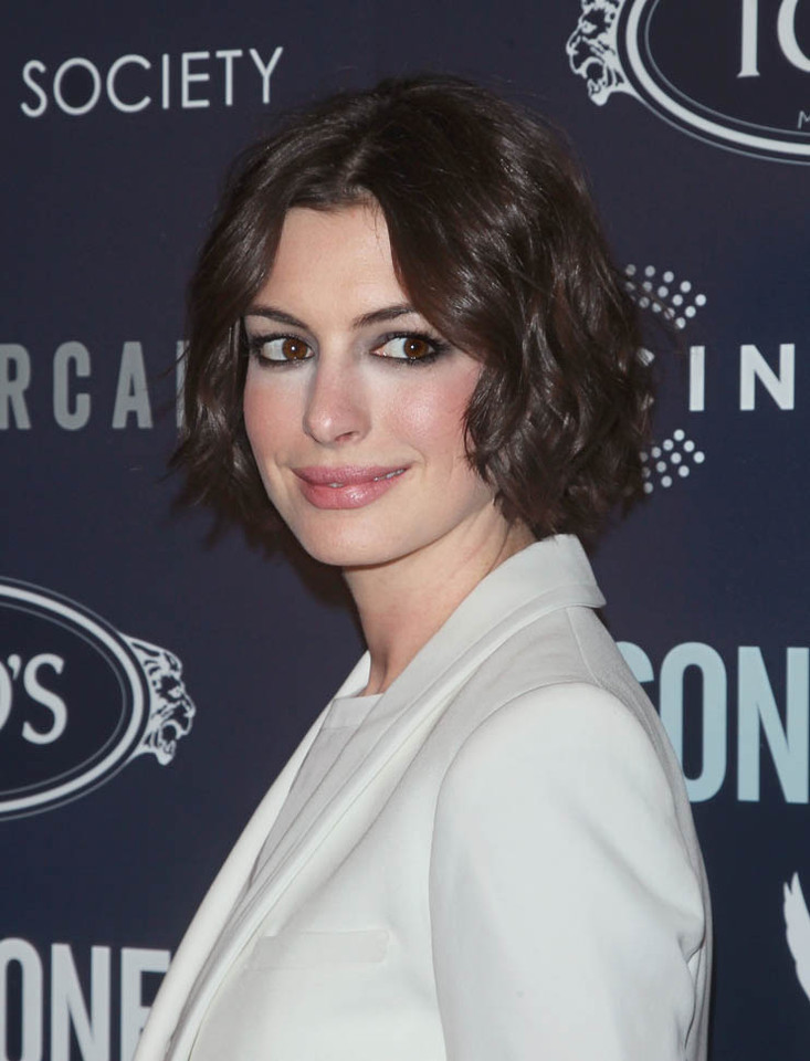 anne-hathaway-premiere of one song.jpg