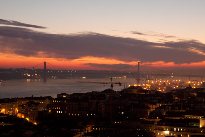 Lisboa-noite_zps53c436ba.jpg