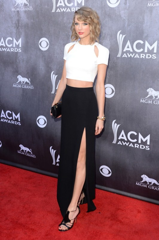 taylor-swift-49th-annual-academy-country-music-awa