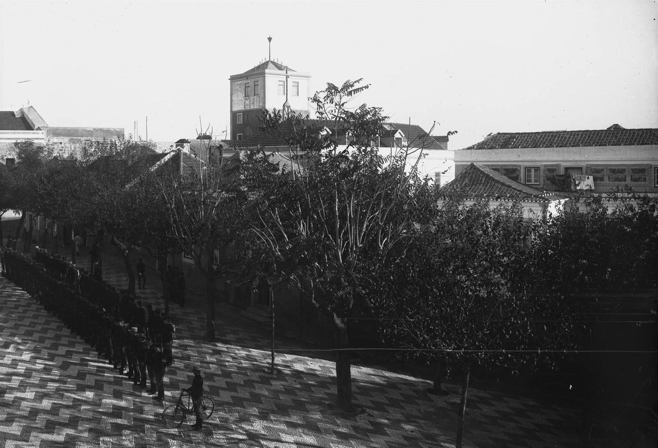 Observatório no Castelo de São Jorge e formaçã