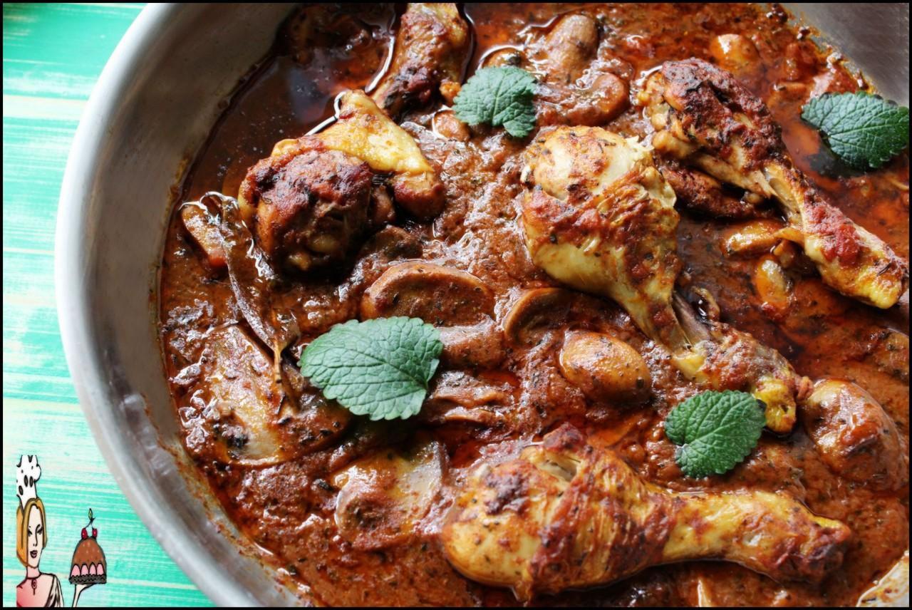 Receita de frango com molho de tomates e cogumelos