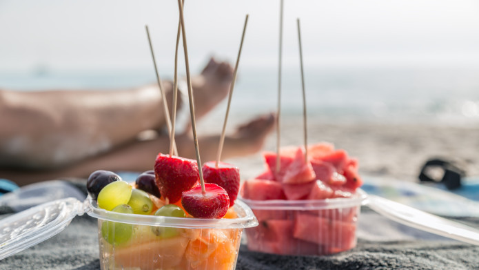 healthy-snacks-to-throw-in-your-beach-bag.jpg