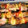 espetadas de rosbife com ananás e camarão.JPG