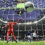 Balotelli com cabeça coloca alemães fora do Euro