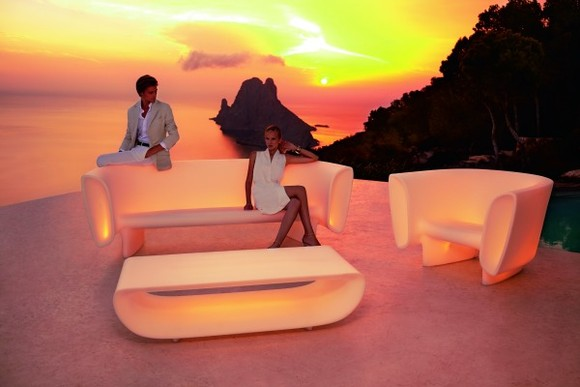 luxury-furniture-design-vondom-1.jpg