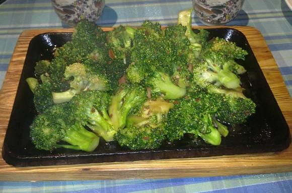 Bróculos salteados