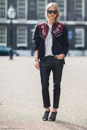printed-bomber-jacket-street-style.jpg