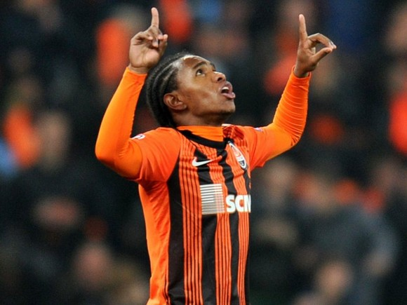 Willian-Shakhtar-Donetsk_2797422.jpg