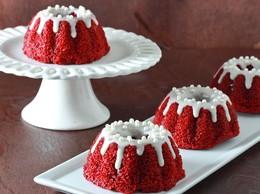 mini-red-velvet-bundt-cakes-001.jpg