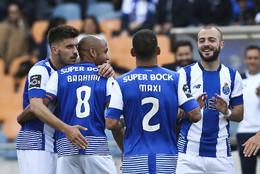Jogadores do FC Porto celebra golo de Brahimi