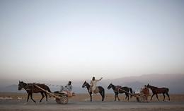A caminho do trabalho arredores Cabul, Afeganistã