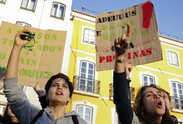 PORTUGAL DEMONSTRATION STUDENTS