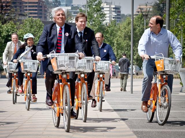 Santiago-bike-share-launch-Claudio-Olivares-Medina