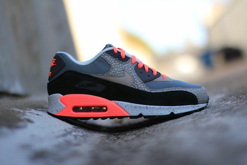 Nike-Air-Max-90-Premium-Safari1.jpg